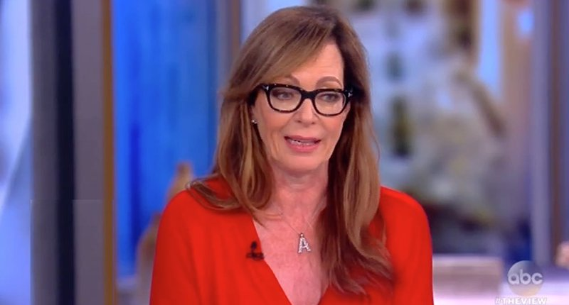 'West Wing' actress @AllisonBJanney: 'The best thing about Sean Spicer is Melissa McCarthy' https://t.co/fwvazJqFLi #TheView