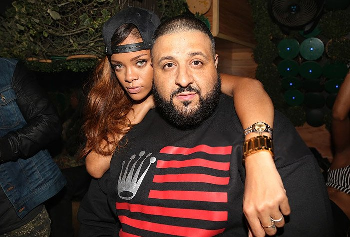 DJ Khaled reveals that Rihanna and Nas are featured on his upcoming album 'Grateful' https://t.co/CxkPRo70mu 🙌🙌