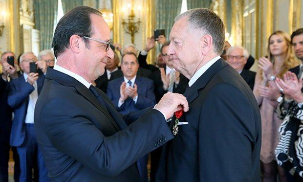 Jean Michel Aulas a été promu Officier de la Légion d'Honneur pour son travail d'entrepreneur.