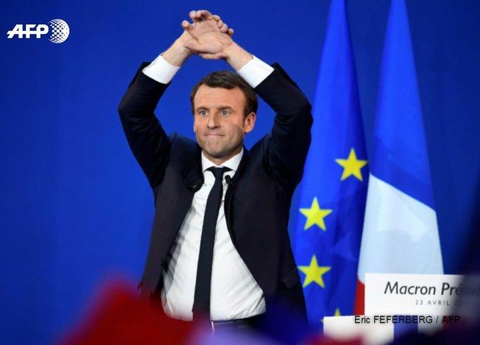 Macron engrange des soutiens et tente de bâtir une future majorité de gouvernement https://t.co/6rSxIaOvra #AFP