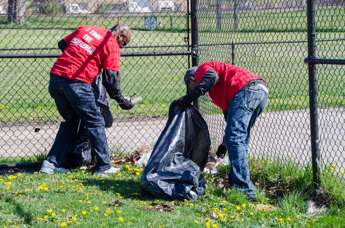 test Twitter Media - Team work always makes a dream work!  We had a very successful weekend of cleaning up in the Village of Maywood.  #comed #volunteerism https://t.co/182GlU5BTH