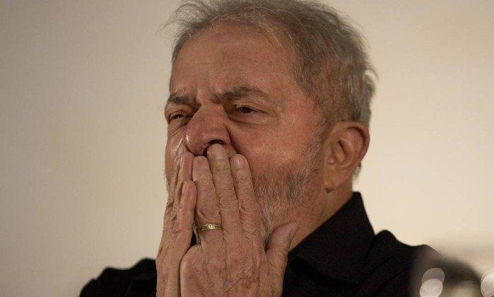 PF pede adiamento do depoimento de Lula em ação sobre tríplex. https://t.co/em3hZ5YNYE