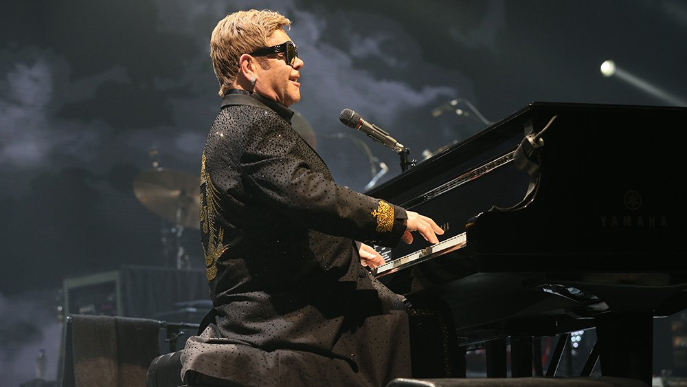 Elton John cancels shows after being hospitalized due to rare infection https://t.co/ScNzquNPRN