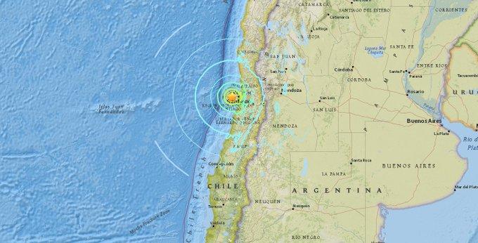 USGS: Preliminary magnitude 7.1 earthquake hits off the coast of Valparaiso, Chile.