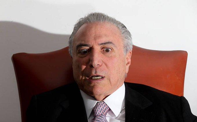 Marqueteiro João Santana diz que reduziu aparições de Temer por imagem ligada a satanismo https://t.co/vUQwvZUhpk