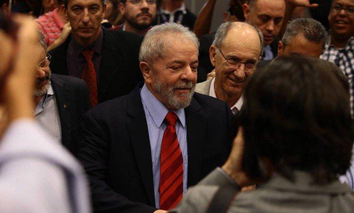 Lula diz que data do depoimento a Moro 'não é problema seu'. https://t.co/5i1rkbNntr