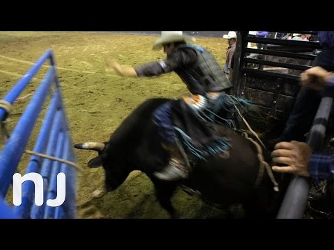 Jersey people take note, here's what Middle America is like from a rodeo cowboy's perspective https://t.co/I4uvThz4wx #meetinthemiddle