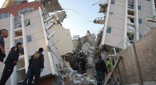 #cile, forte scossa di #terremoto: magnitudo 6.9 Richter https://t.co/LCnx6pu38n