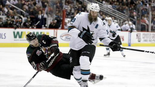 'Basically his knee is floating there,' #Bruins coach DeBoer said after Joe Thornton played with torn ligaments https://t.co/cVulP7FuMF