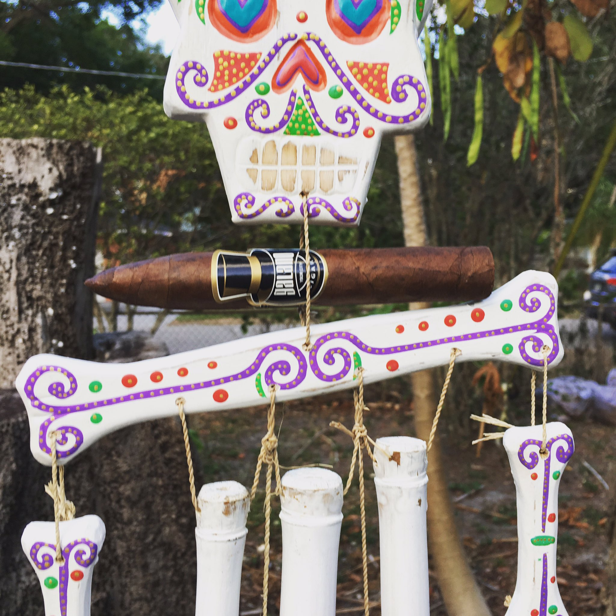 Did you know cigars make perfect wind chimes? #galanocigars #diadelosmuertos #mexico #cigar #cigars #galanocigars #cigarsociety https://t.co/PYuMdp3GWd