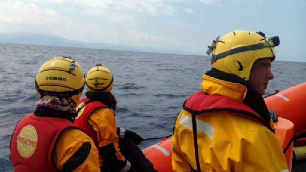 At least 16 migrants die as boat sinks off Greece: police