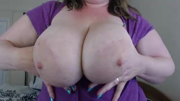 My new video is really hot! Check it out! https://t.co/FobFwByCfu  #bigtits #bbw https://t.co/QuMWoM