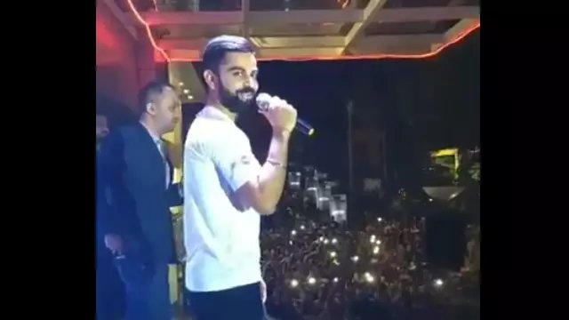 WATCH: Virat Kohli makes stadium full of fans sing \Happy Birthday\ to Sachin Tendulkar