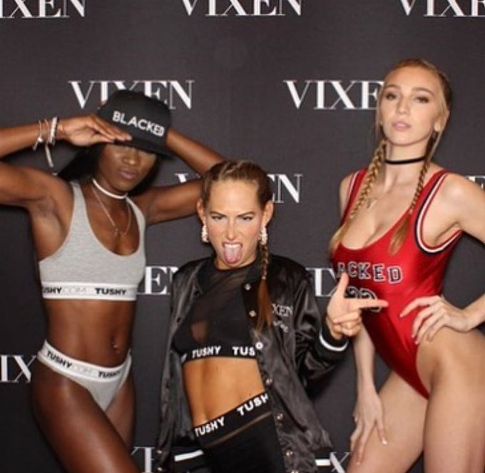 Happy birthday @CarterCruise 🎉 I hope you had a bitchin day 😘 #Throwback to #avn with @AnaFoxxx https://t