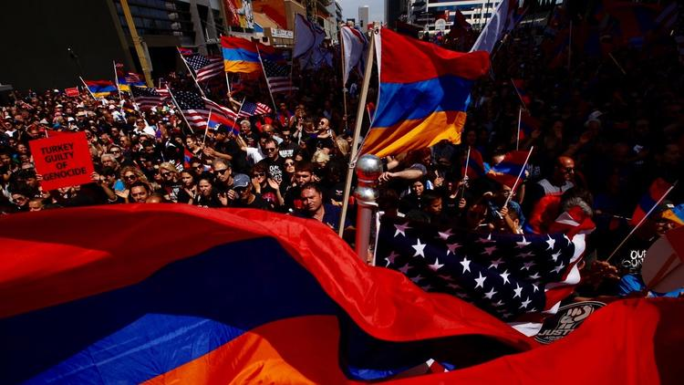Marchers commemorate 102nd anniversary of Armenian genocide