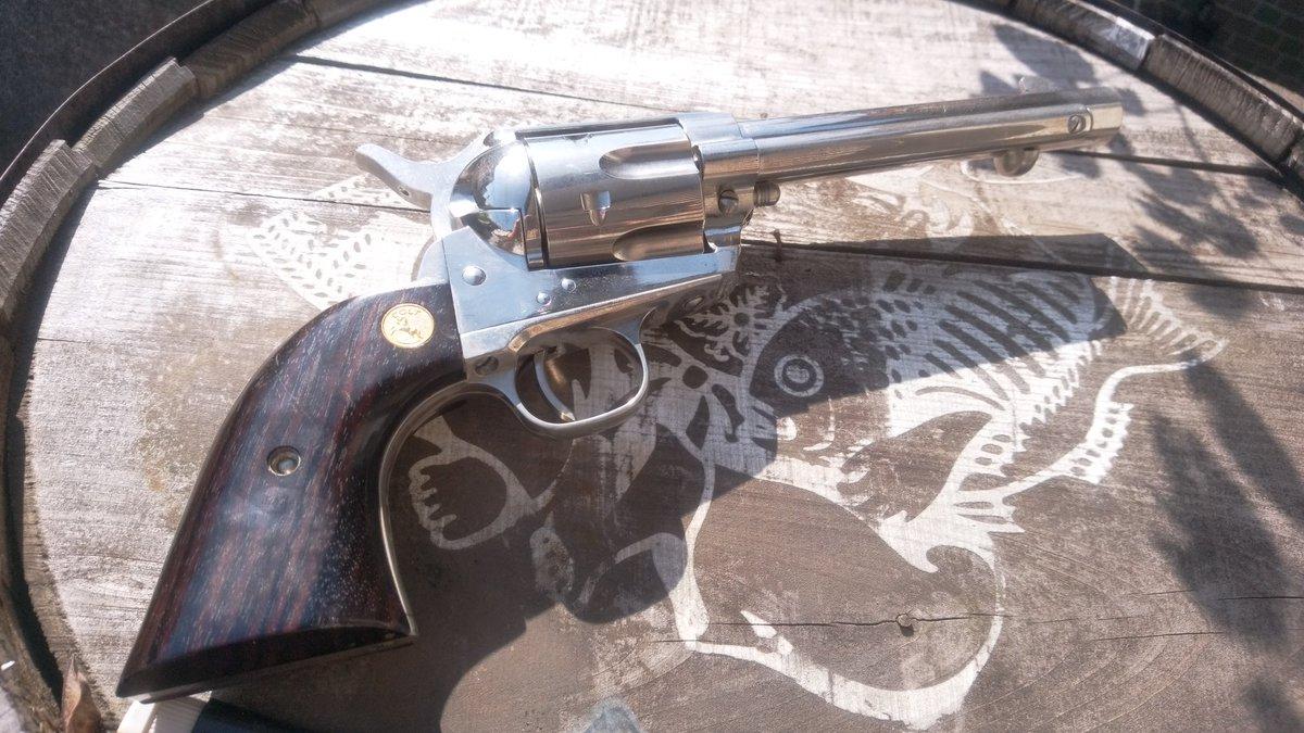 タナカのピースメーカーを緋弾のアリア 平和の作り手、不可視の銃撃 カナ/遠山金一仕様にしてみました。