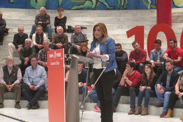 Susana Díaz 'pincha' en su primera intervención en Cantabria