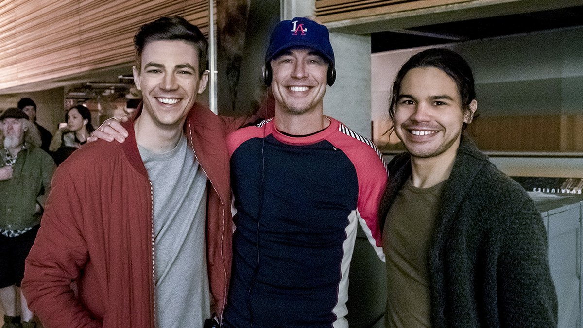 ONE HOUR until a new episode of #TheFlash directed by @CavanaghTom!