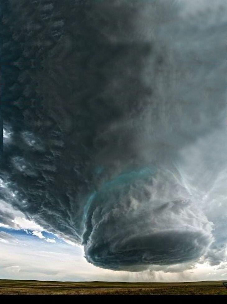 ラピュタが中にありそうな雲