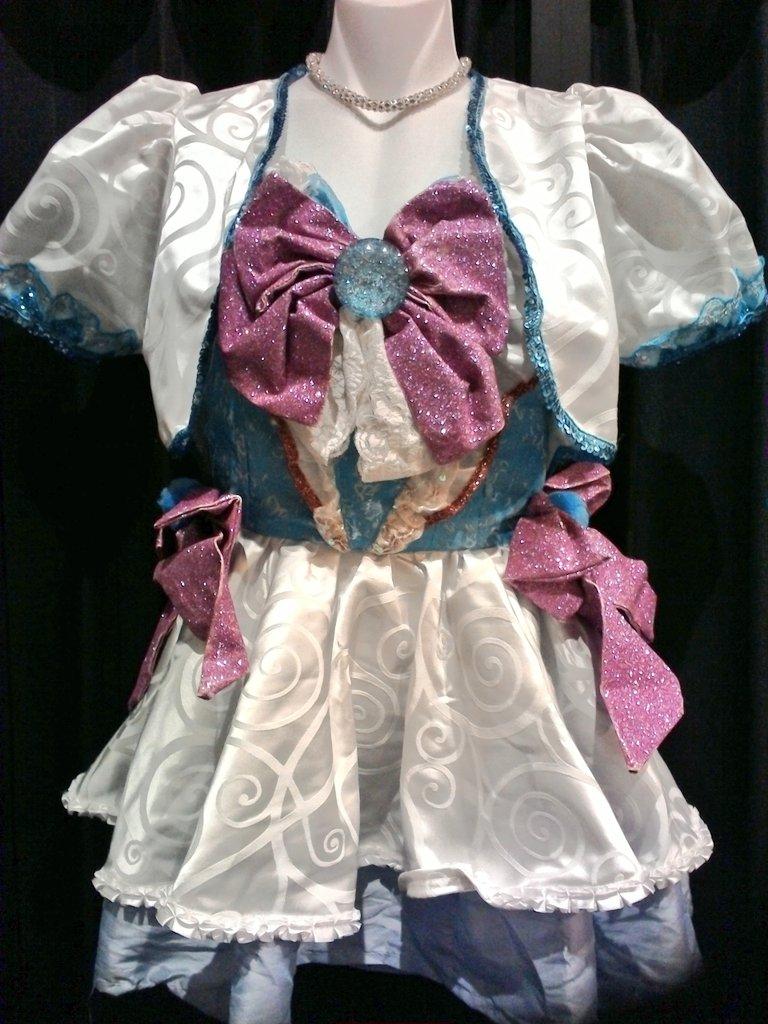 デート・ア・ライブより、四糸乃ちゃんの魔法少女衣装が入荷致しました✨キラキラのラメと髪飾りがかわいい! #kbooks
