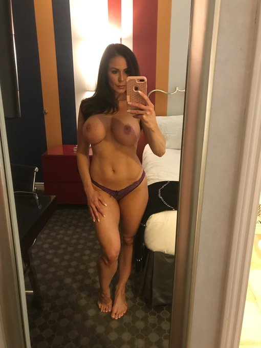 #Selfie #sexy #LustArmy https://t.co/SDS4NwUAGn