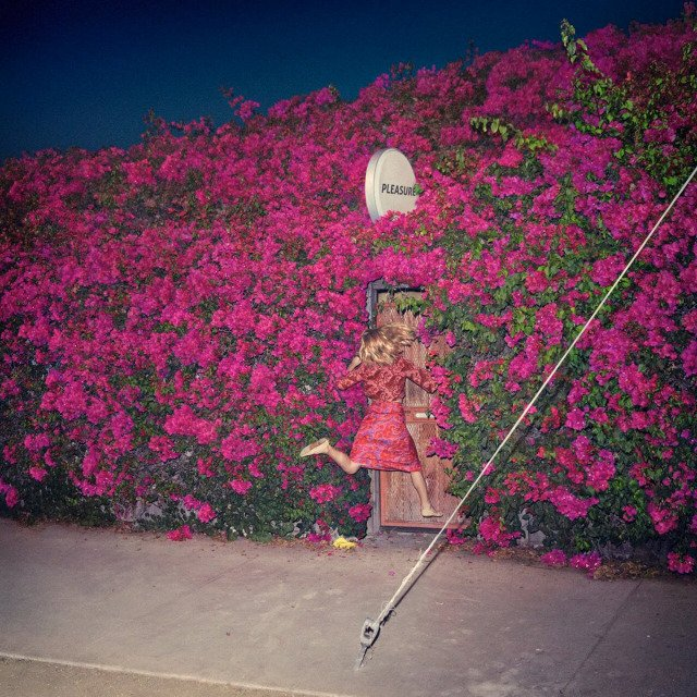 .@stereogum profiles @FeistMusic's return to music with her all new album #Pleasure https://t.co/aTuoOGa4sO https://t.co/sDnnuYgmKn