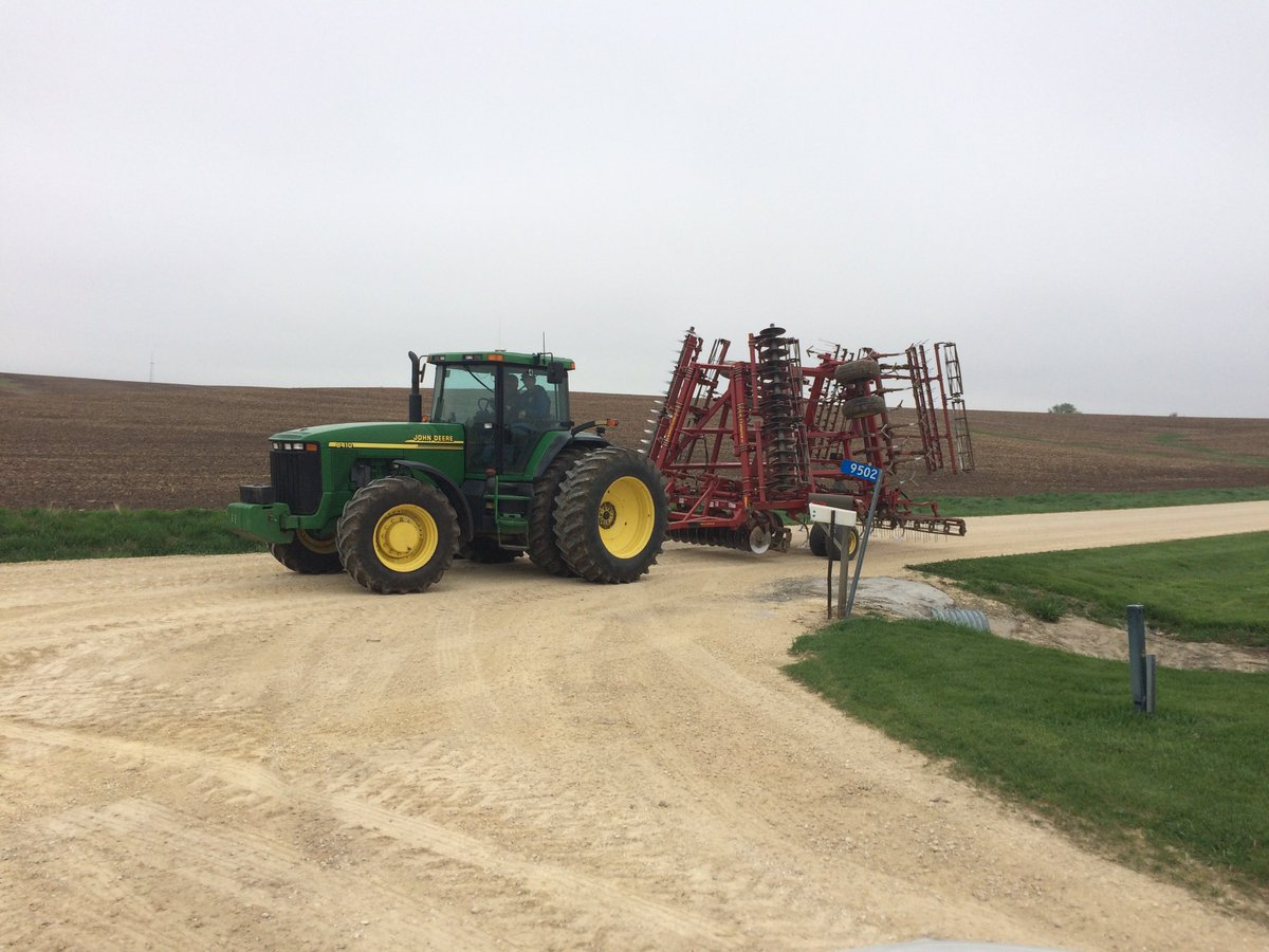 Farmers urge safety after fatal tractor accident involving Chris Soules