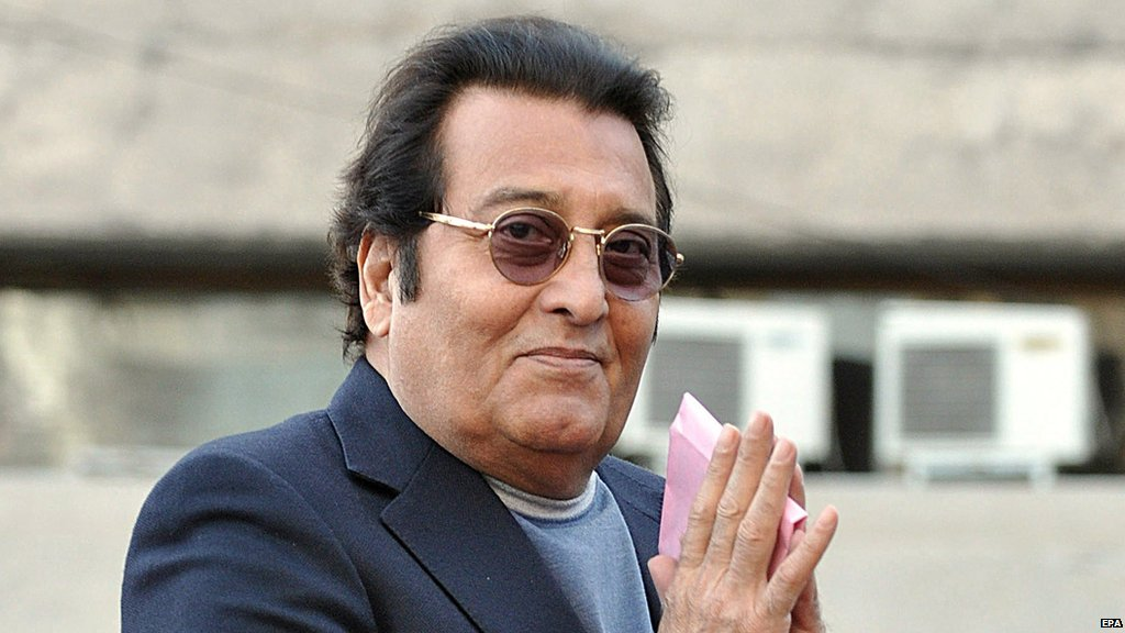 Bollywood actor VinodKhanna dies of cancer, aged 70.