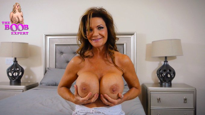 "I have just released a new vid @clipteez: ""Deauxma - 1 of 4 - Meet My Boobs"" https://t.co/8h7hHqx8wO"