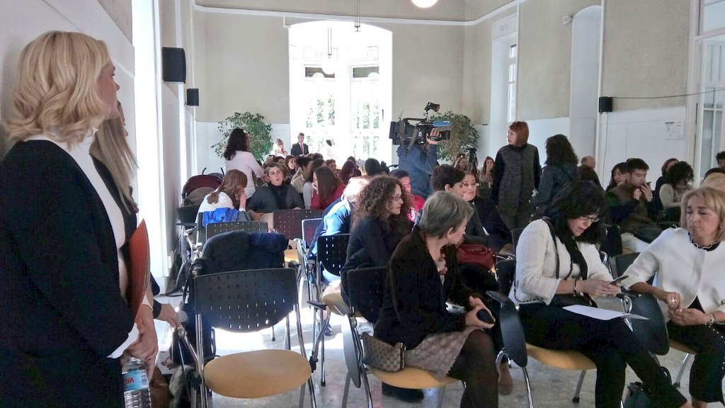 provar Twitter Mitjans - 👌🗣️ Últimos preparativos antes del encuentro con entidades y madres de la red madre de la @ComunidadMadrid https://t.co/C3ILDpAZcT