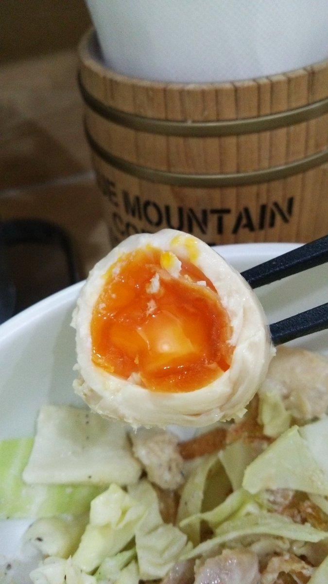 今日はトリック✨全部美味しいけどこの味たまはガチで美味しい✨#桶川#トリックスター#鶏そば