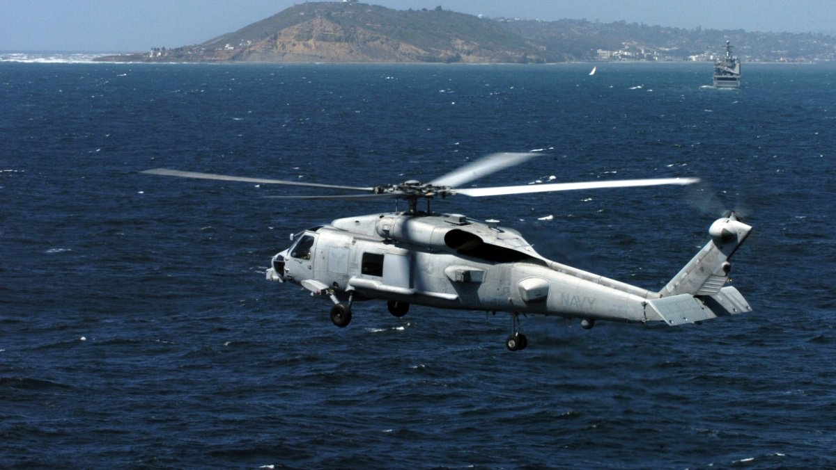 Crew of Navy helicopter in Guam crash safely recovered