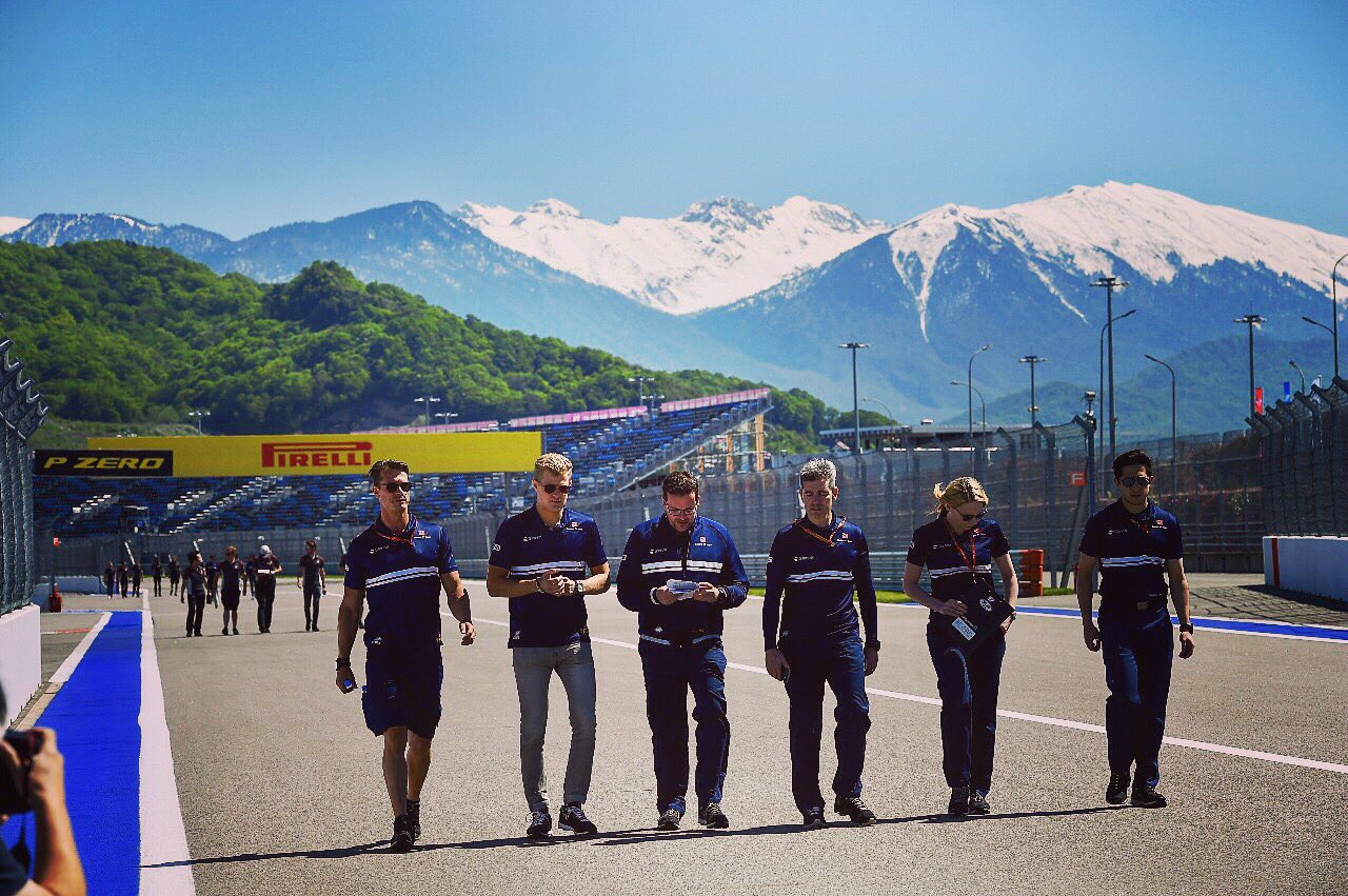 Trackwalk Sochi ✅. Looking forward to the weekend ✌��️�� #ME9 #F12017 #RussianGP �� Jerry Andre https://t.co/As1PSUfCBH