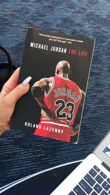 Long flight to ATL  thank god I have the 🐐 along for the ride lol https://t.co/NbZVzYmjxh