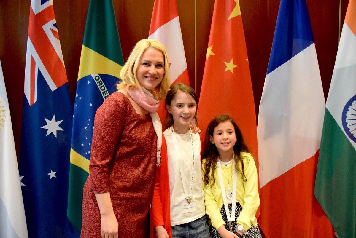 Danke Hanna und Jola für eure Begleitung im Rahmen des #GirlsDay Es war super mit euch! Alles Gute😉 https://t.co/6w8heFtL9w