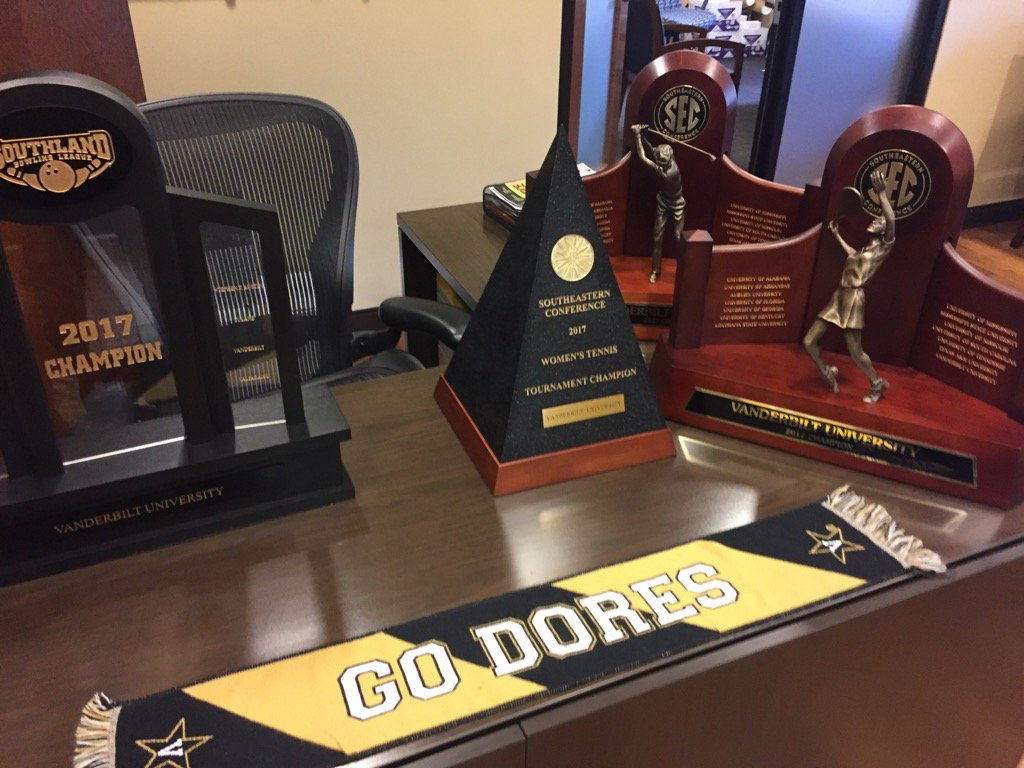 It's been a great spring on West End! Hardware on display in the office of AD David Williams. #AnchorDown https://t.co/iAX4Tt2t9r