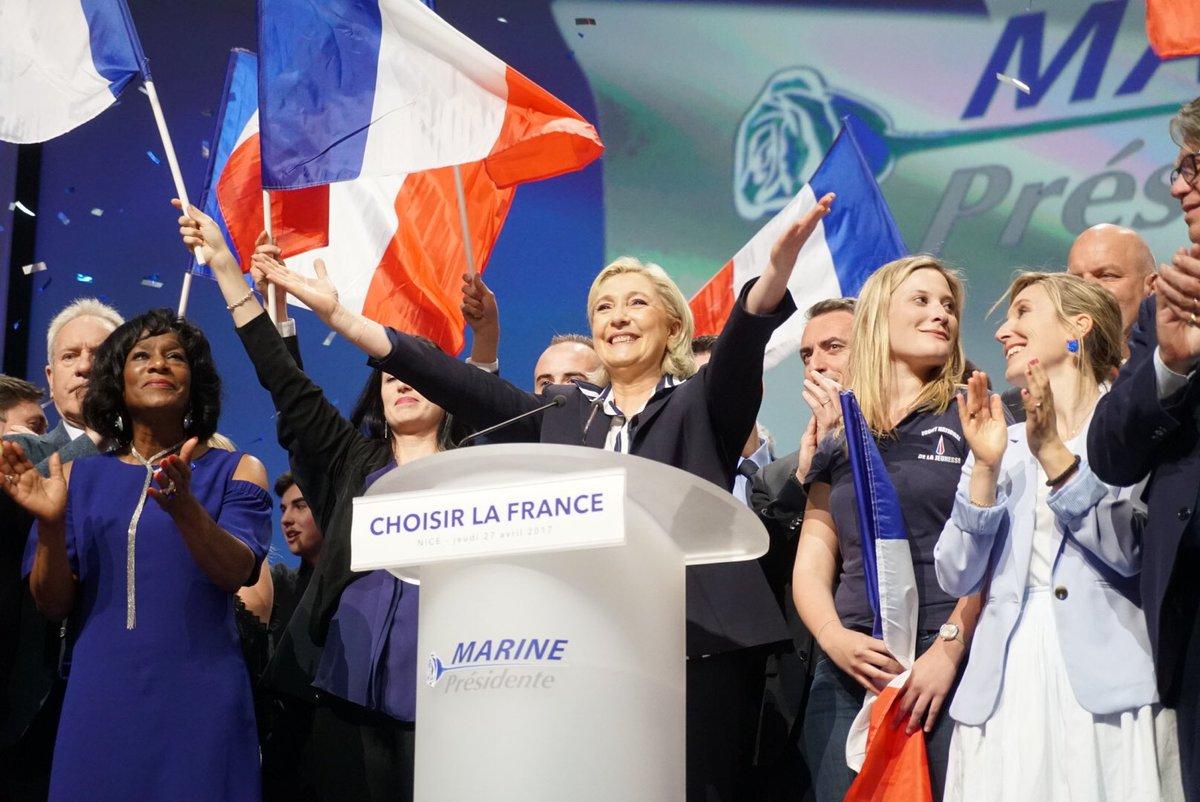 """""""C'est enfin l'arrivée du changement. Vive le peuple libre ! Vive la République ! Vive la France !"""" #MarineÀNice"""