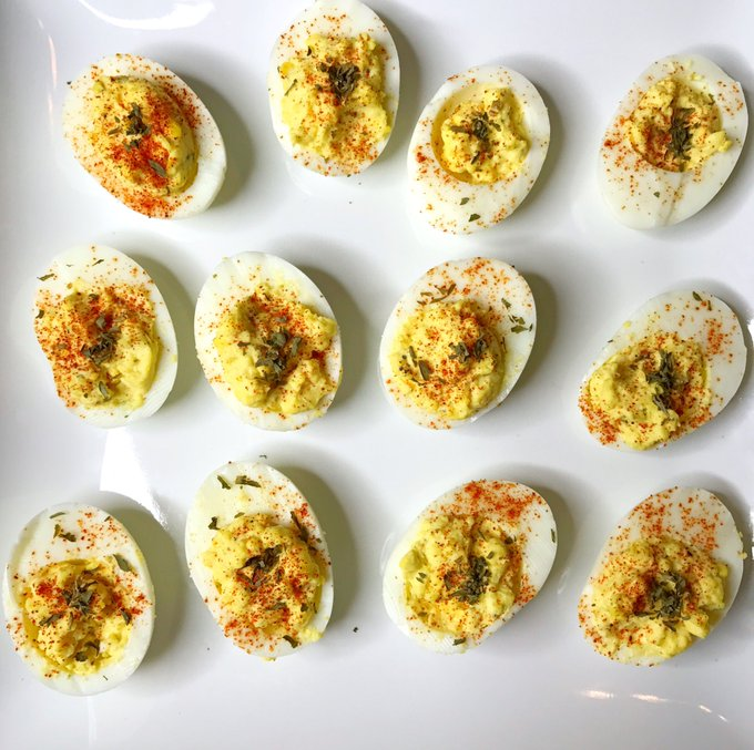 First time making deviled eggs I would have done it a lot sooner if I knew how simple it was! 😋 https://t