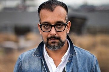 .@VICE co-founder Suroosh Alvi discusses the future of news and online media https://t.co/r5UK6jcbSB https://t.co/tQvfnaZJlW
