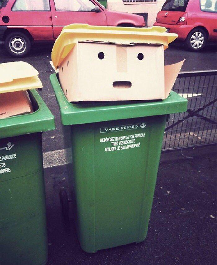 RT @RaulGomez82: Una caja y un cubo de basura es suficiente para crear vuestro propio Donald Trump! ♻️👨🇺🇸 https://t.co/QQGWHSlw4j