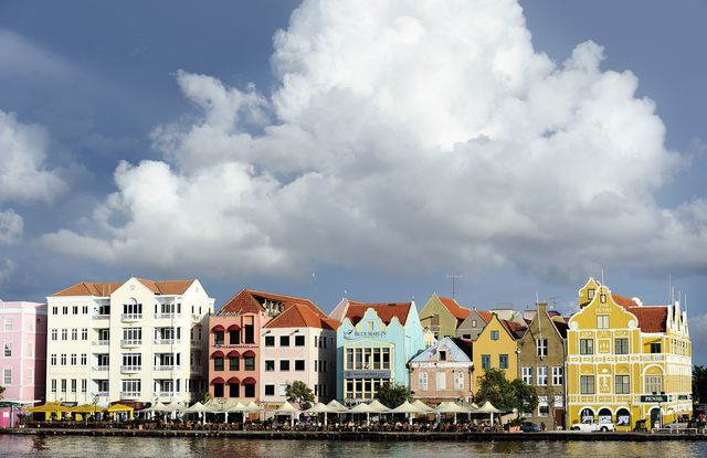 Verkiezingen op politiek en maatschappelijk verscheurd Curaçao