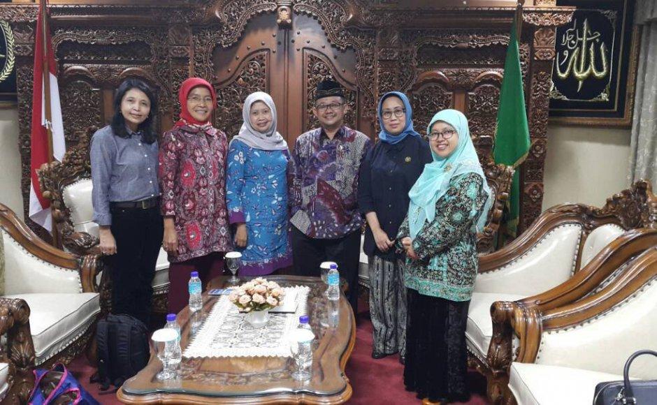 Indonesia: Female clerics issue fatwas against child marriage, marital rape
