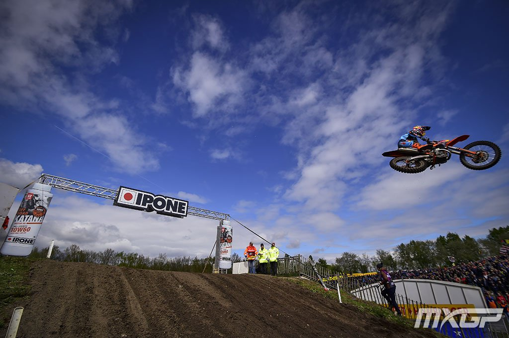 RT @mxgp: Sick Shot of Glenn Coldenhoff flying high at the MXGP of Europe! https://t.co/EV191An4er