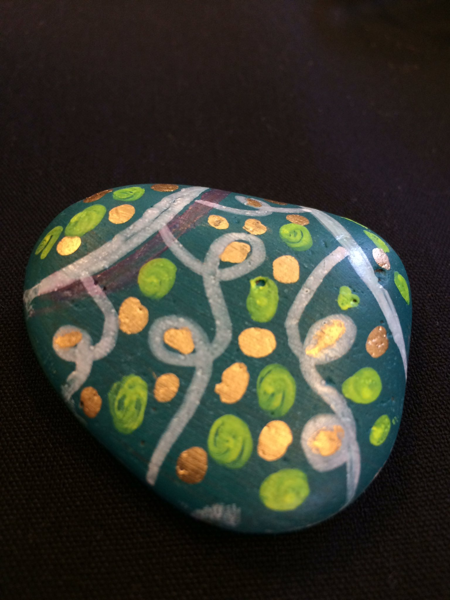 #hashtagrocks !!! Super cute rock! #sunshinewhispers #typeacon https://t.co/OS54h1gFBR