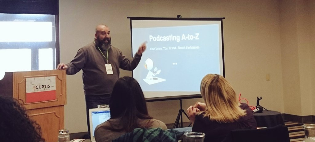 """""""Somebody wants to hear what you have to say."""" @DaddyNewbie #typeacon #podcasting Just power through it. Push record! https://t.co/7NBTWuKOQJ"""