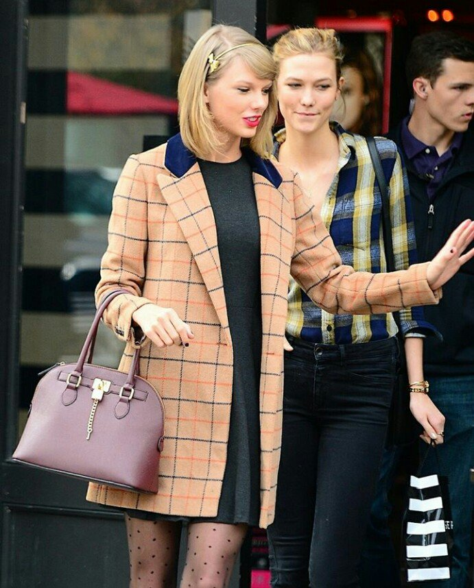 #TaylorSwiftWeMissYou