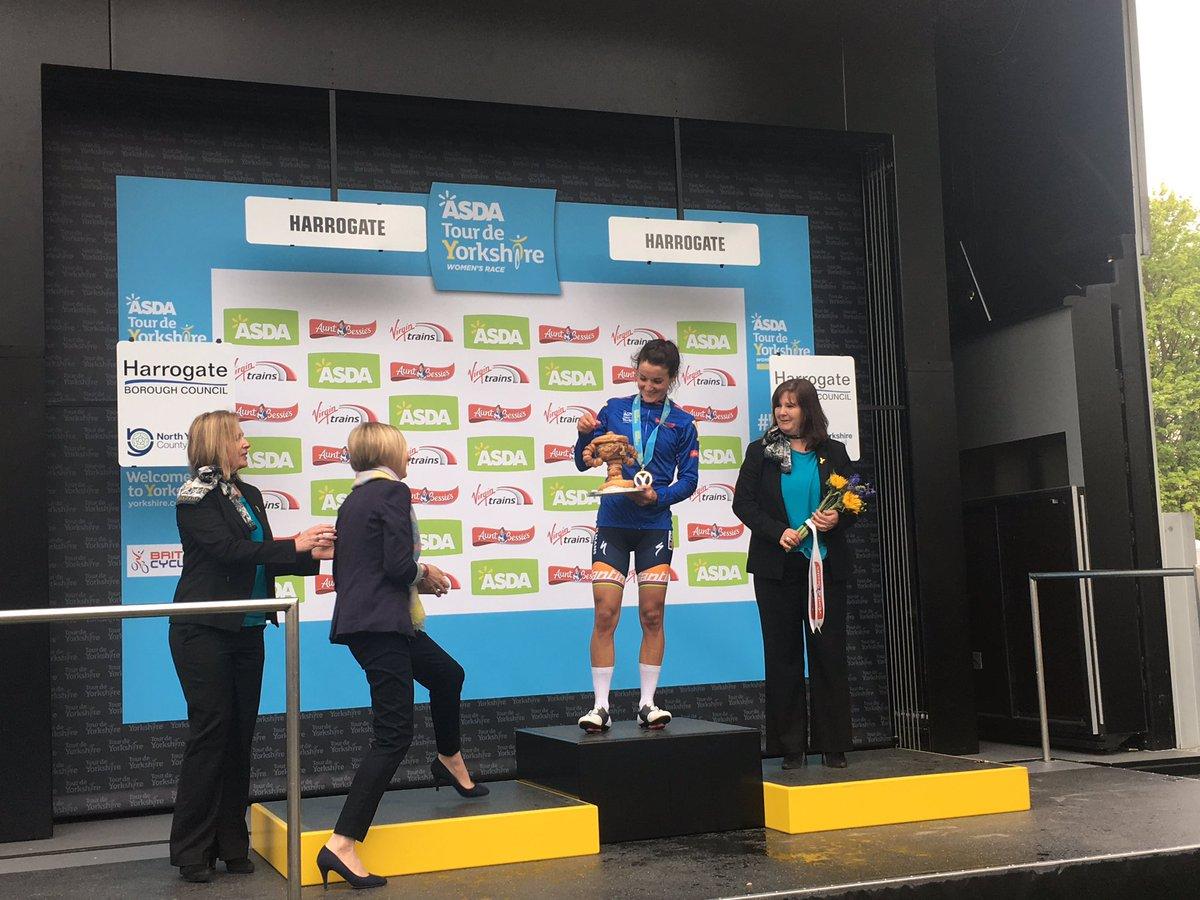 Home favourite Lizzie Deignan triumphs in women's Tour de Yorkshire