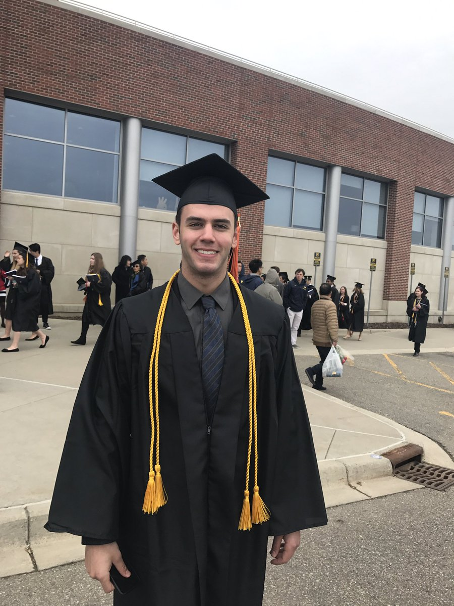 RT @NicoleAuerbach: So proud of my little bro, our brand-new @UMich engineering grad!! https://t.co/FO2WgsFG0z