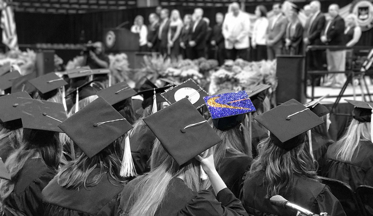 RT @UMichAthletics: Graduating topped with a lot of style 👌🏽 #GoBlue #MGoGrad 〽️  @Nike https://t.co/RJkAQyHzkJ