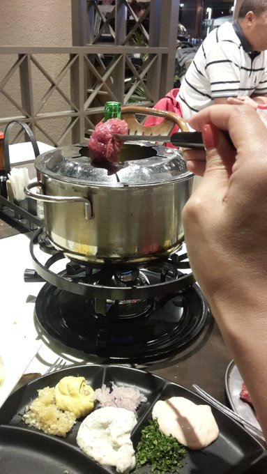 Petite fondue bourguignonne 😋😋 https://t.co/yMq4bktiph
